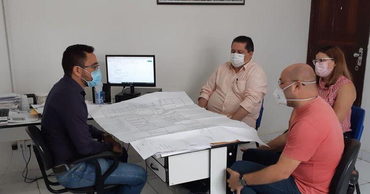 Reunião trata sobre doação de terreno para construção de Centro de atendimento e apoio aos pacientes com Câncer