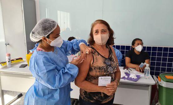 Começa vacinação para servidores das redes municipal e particular