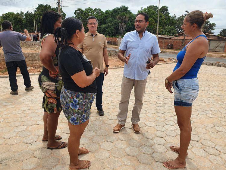 Obras de bloqueteamento das ruas Pompeu Marinho, São José e Santa Tereza passam por vistoria