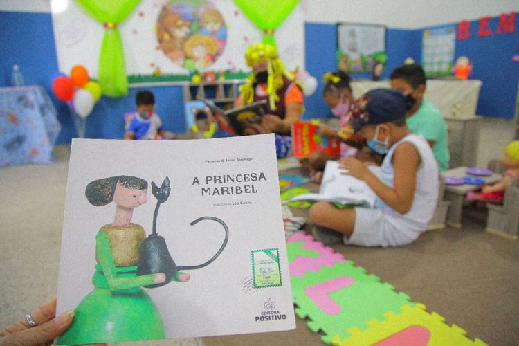 Escolas municipais desenvolvem projeto Dia de Ler Todo Dia