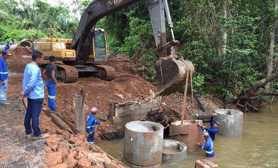 Sinfra prossegue a construção da ponte na estrada que dá acesso ao povoado Água Boa