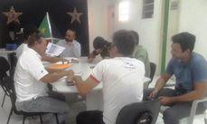Conselheiros reunidos para selecionar os grupos beneficiados com recursos do Fundo.