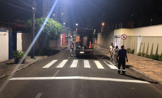 Setran reforça pintura de sinalização horizontal nos bairros de Imperatriz