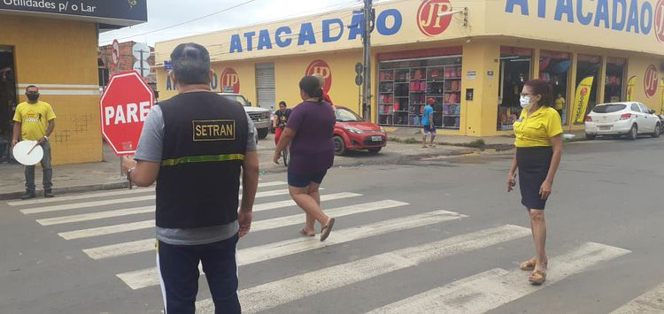 Cidadania na Faixa reforça conscientização de motoristas na Avenida Ceará