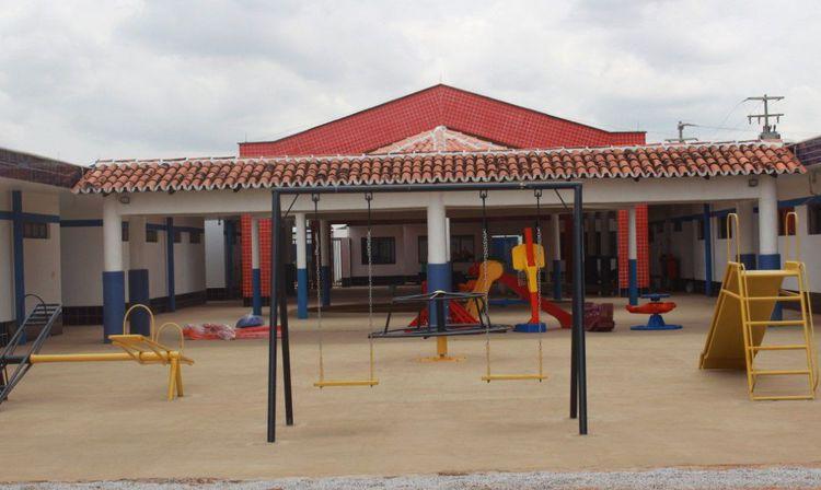 Prefeitura investe na conclusão de quatro escolas modelo Proinfância