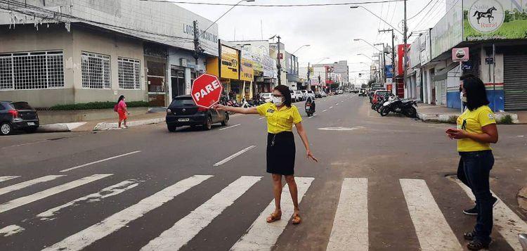 Projeto Cidadania na Faixa é realizado na Avenida Getúlio Vargas