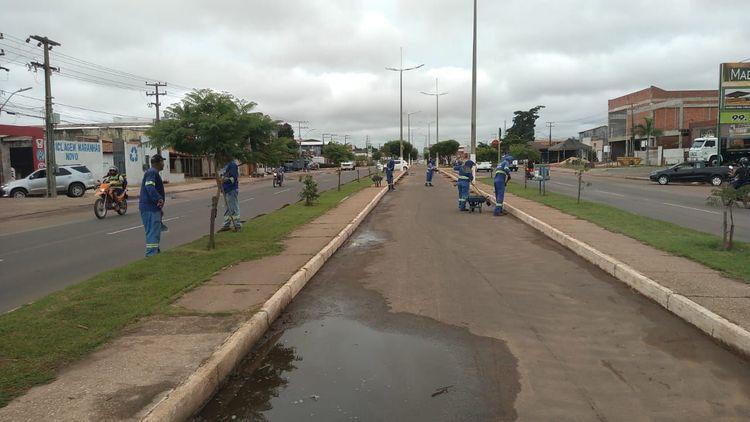 Avenida Pedro Neiva de Santana recebe ações de limpeza urbana