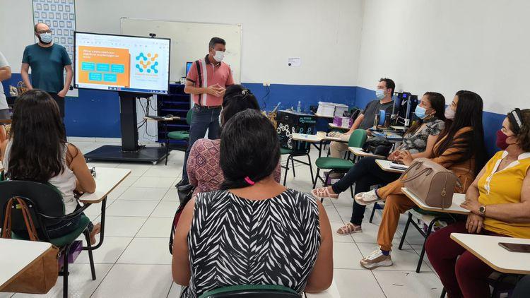Professores participaram de oficinas para utilizar salas multiuso