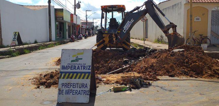 Avançam obras de drenagem profunda no Santa Rita e Vilinha